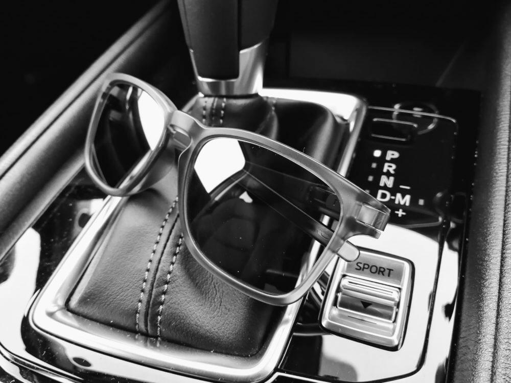 ドライブの必需品 サングラスのススメ 似合うサングラスの選び方